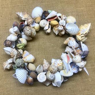 Decoration wired wreath large coloured shells