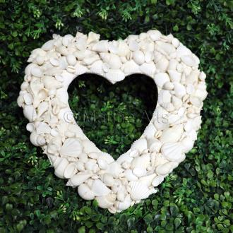 Wreath shell heart
